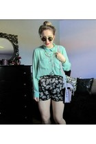 black paisley Forever 21 shorts - aquamarine mint Suzy Shier shirt