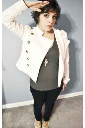 beige jacket - black pants - gray top - silver necklace - beige shoes