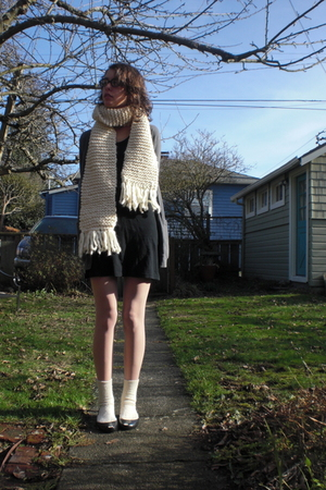 white homemade scarf - black American Apparel dress - gray American Apparel card