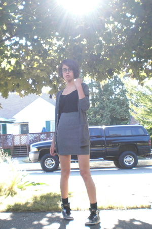 American Apparel - skirt - H&amp;M top - Steve Madden