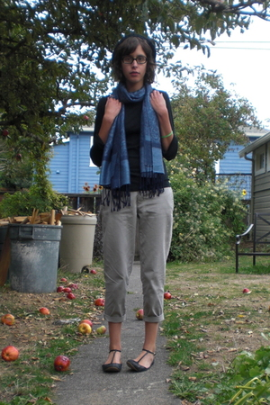James Perse shirt - scarf - JCrew pants - sam edelman shoes - H&amp;M hat