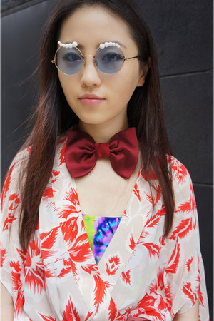 red Bubble Mood cape - blue MOO Piyasombaykul sunglasses - ruby red lanvin tie