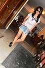 Poch-shoes-heather-gray-zara-shirt-denim-mango-shorts-black-mango-sunglass