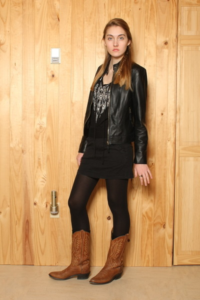tan cowboy Old West boots - black faux leather Urban Outfitters jacket - black t