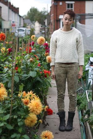 beige Zara jeans - gray vintage boots - white vintage jumper