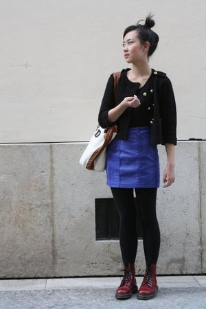 blue H&M skirt - red doc martens shoes