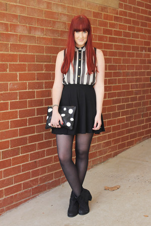 white black and white Topshop top - black chelsea Wittner boots