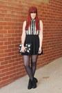 Black-chelsea-wittner-boots-black-topshop-skirt
