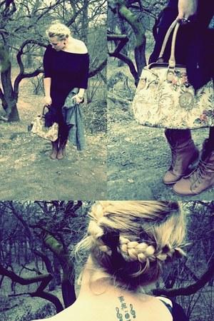 brown boots - camel bag