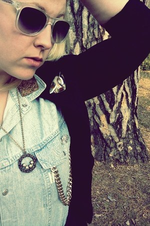 blazer - sunglasses - blouse - accessories