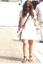 Prada dress - Zara purse - Stradivarius shoes - Ray Ban sunglasses - Guess acces