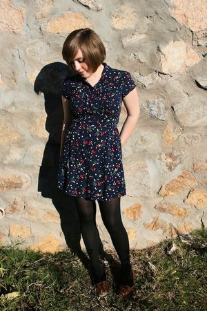 Forever 21 dress - brown shoes - black tights