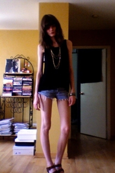 Kate Moss for Topshop top - Levis shorts - H&M necklace - forever 21 bracelet -