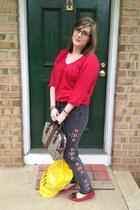 red Old Navy top - charcoal gray BDG jeans - off white Gucci bag