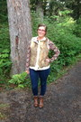 Brown-target-boots-navy-levis-jeans-ruby-red-thrifted-top