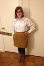 Brown-bullboxer-boots-mustard-vintage-skirt-white-vintage-top