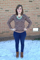 aquamarine Luxe Craving necklace - brown Minnetonka boots - navy Levis jeans