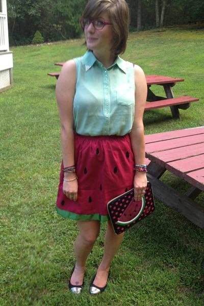 red Delightfully Tacky skirt - hot pink Betsey Johnson bag