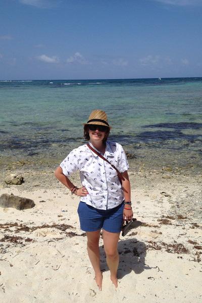 tan store in Mexico hat - beige etienne aigner bag - blue Gap shorts