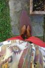White-vintage-top-brown-steve-madden-boots-brown-black-tan-leather-belt