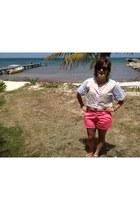 hot pink Gap shorts - cream thrifted vintage top - black Ray Ban glasses