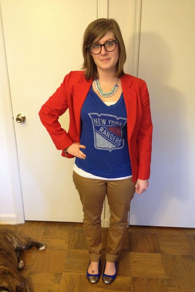 sky blue spike the punch necklace - tan Old Navy jeans - red thrifted blazer
