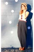Sportsgirl hat - Sportsgirl top - vintage pants
