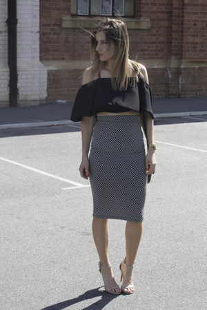 atmos and here skirt - betts heels