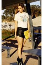 Kenzo t-shirt - Sportsgirl bag