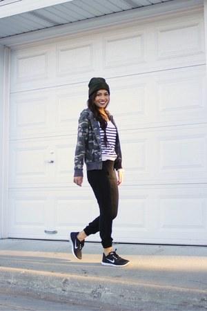 camo hoodie - Camo Beanie hat - PacSun pants - Nike Free sneakers