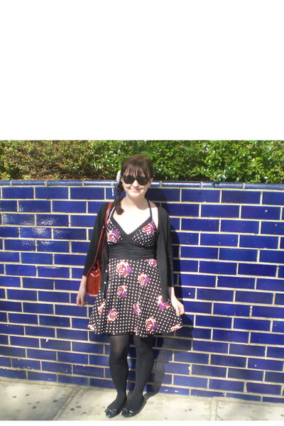 Sportsgirl glasses - unknown dress - Target Australia stockings - Missco accesso