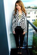 black pants - gray H&M top - white H&M jacket - black shoes - gold Forever 21 ne