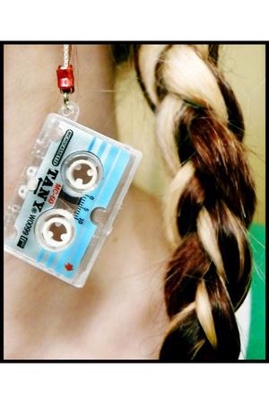 shana logic earrings