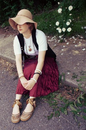 camel wool Charter Club hat - white Apple shirt - maroon Dolled Up skirt - bronz