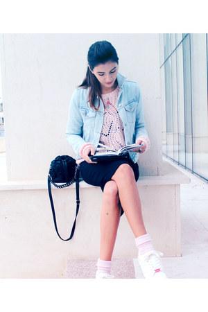 light pink soft H&M sweater - black cute Fornarina bag