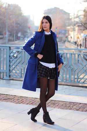 blue wool Andrews Ladies coat - white Pull & Bear shirt - black square LYDC bag