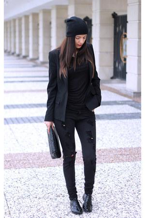 black united colors of benetton shoes - black H&M hat - black Zara blazer