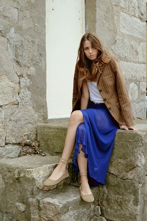 Kanvas skirt - Brooks Brothers blazer - Alexander Wang top - Garnett Hill flats