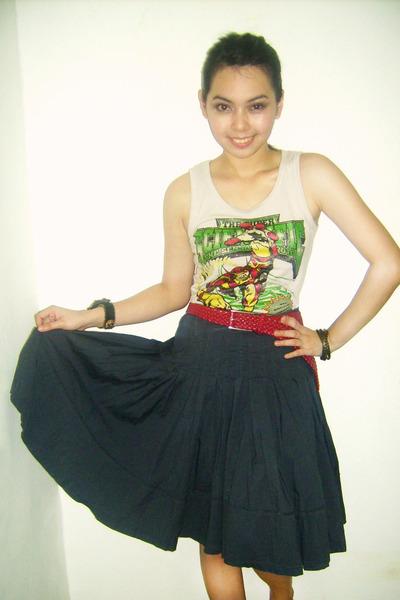 eggshell top - gray skirt - red belt