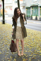 Zara skirt - Burberry jacket - BERSKA shirt - Louis Vuitton bag