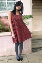 red dress - gray tights - black shoes