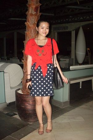 skirt - red shirt - vnc shoes