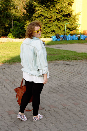 vintage jacket - decobaazar shirt - shopping sunglasses - H&M sneakers