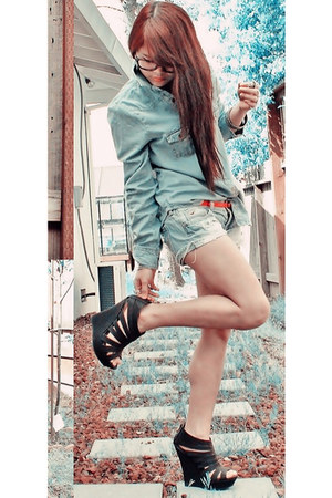 denim shirt Bongo shirt - denim shorts hollister shorts - Ross wedges