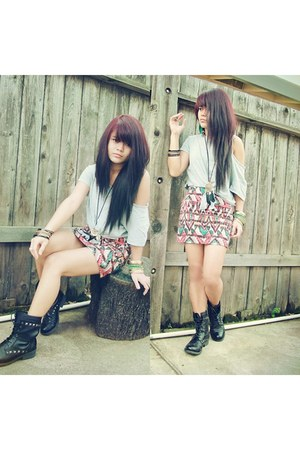 tawny aztec Ross skirt - black combat boots Ross boots