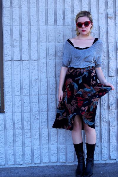 black Karen Kane skirt - black vintage boots - silver Forever 21 top