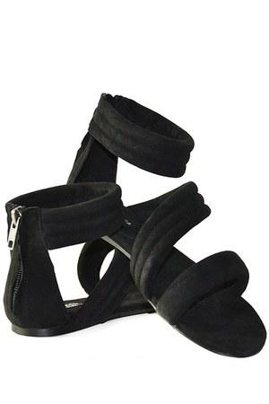 lulu Messeca sandals