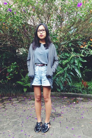 forest green shoes - light blue jeans shorts - charcoal gray top