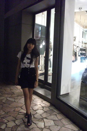 white flamingo top - black unbranded shorts - black Forever 21 shoes