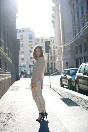 Zara shoes - Zara jeans - Stefanel shirt - H&M necklace